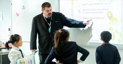 浸润式英语教学